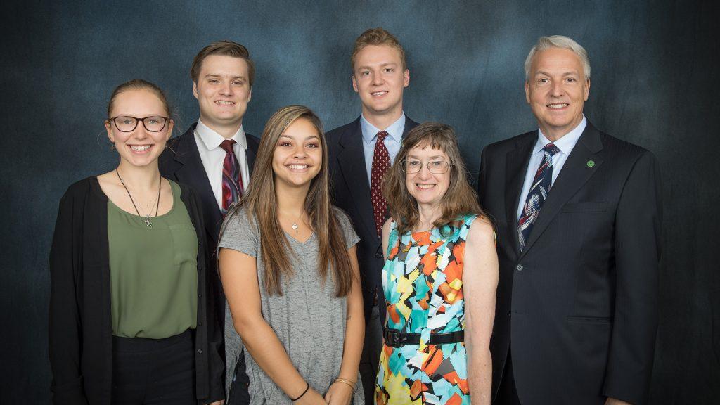 photo of Heidenfelder scholarship donors and winners